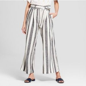 Who What Wear Pants - NWT Who What Wear Wide Leg Paperbag pants black